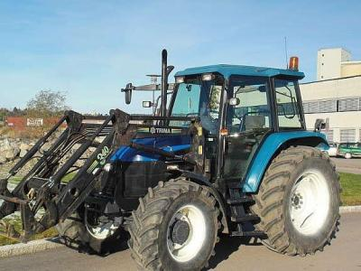 trattore New Holland  2000
