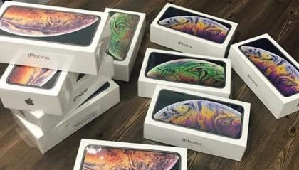 Stock Apple iPhone XS Max XS Samsung S10 Huawei P30 e altri PayPal/Bonifico